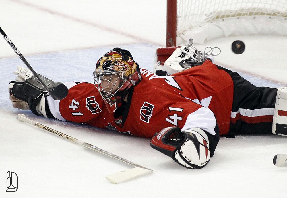 Ottawa Senators' Anderson looses his stick in Ottawa