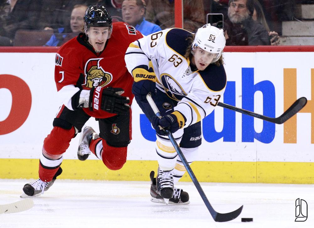 Ottawa Senators' Turris chases Buffalo Sabres' Ennis